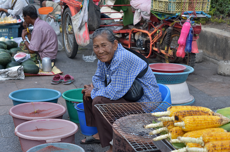 authentic-market-Thailand-lifestyle