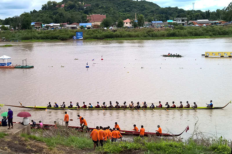 long-tail boat race